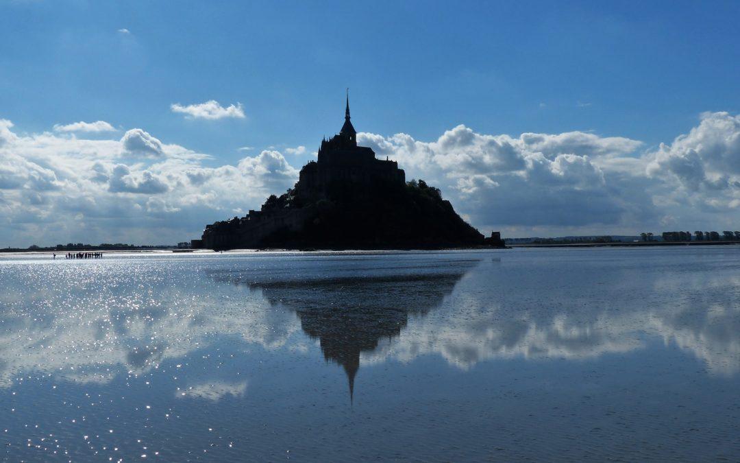 Quand l'Archange demande une église… le Mont-Saint-Michel